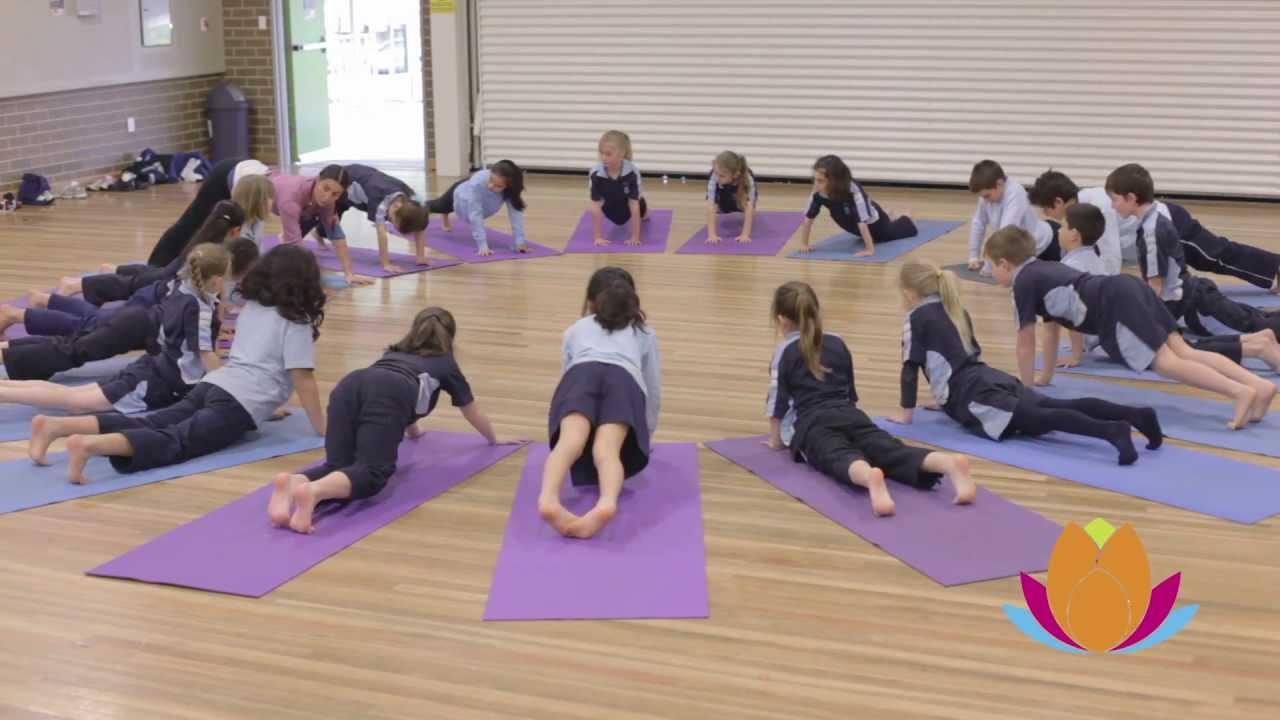 Australia Schools Teach Yoga To Kids